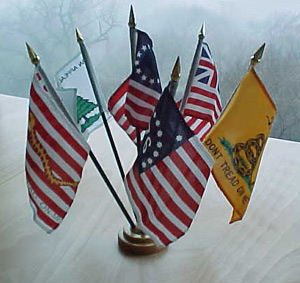 Historic Flag Desk Set